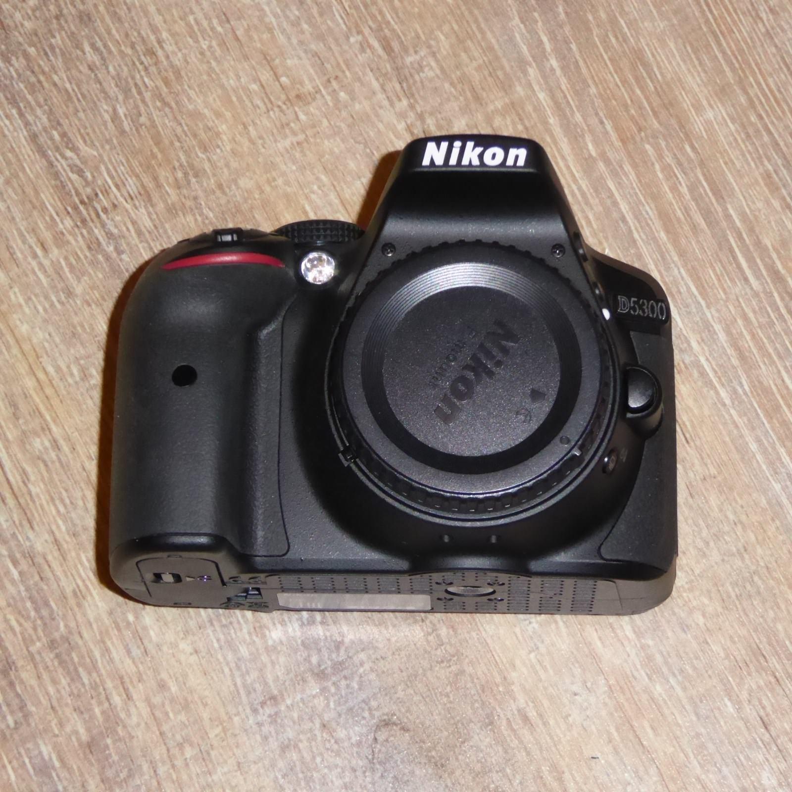 Nikon D D5300 24.2 MP DSLR Schwarz (Nur Gehäuse) 8 Monate alt 20 Clicks wie neu!