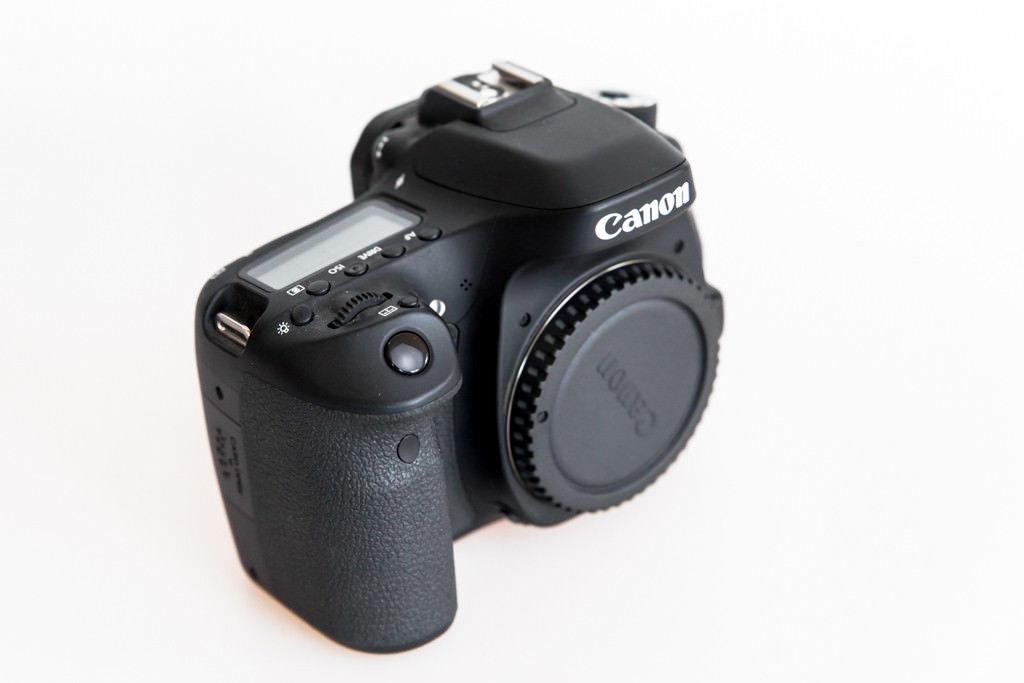 Canon EOS 80D 24.2MP Digitalkamera - Nur für Video genutzt  2000 Auslösungen OVP