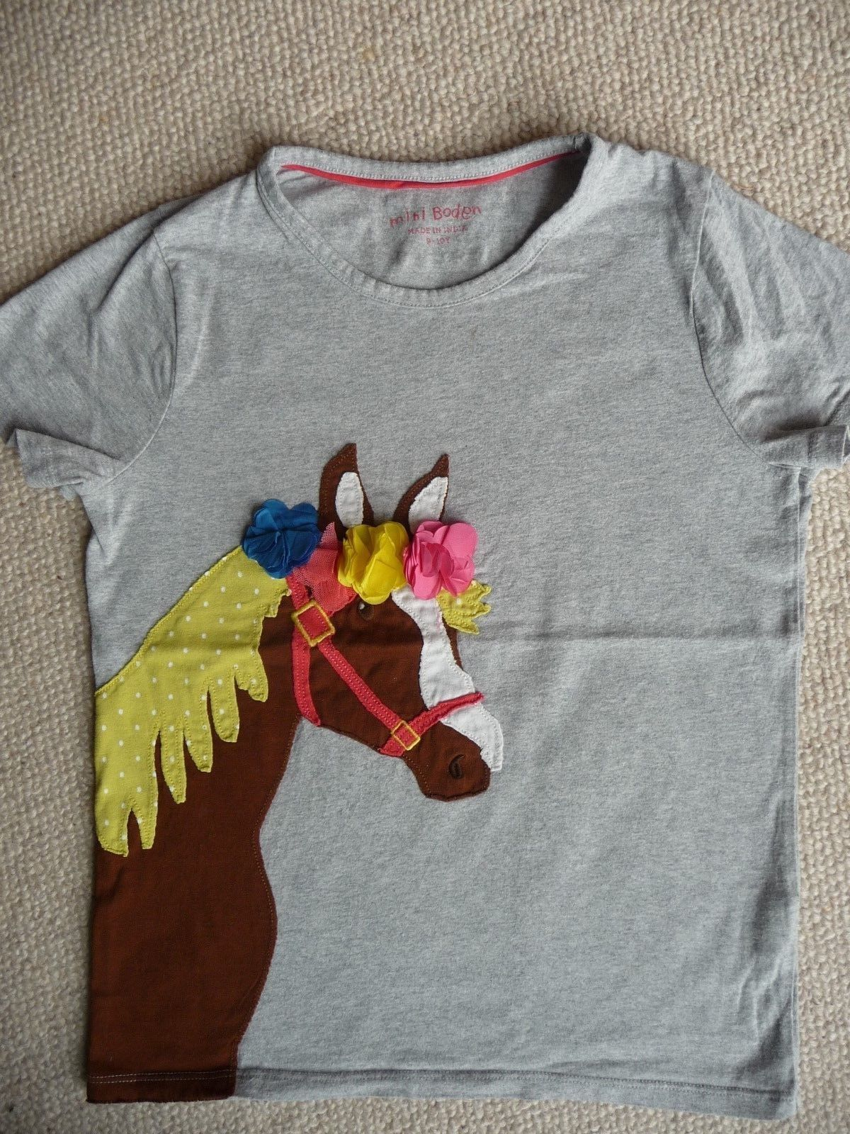 MINI BODEN T-Shirt Pullover Applikation Stickerei Pferd grau bunt 9 10 134 140
