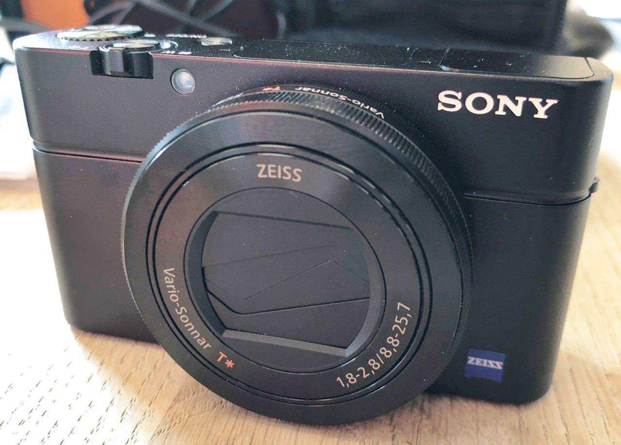 SONY DSC-RX100 M3 / III mit Zubehörpaket -  TOPZUSTAND!!!
