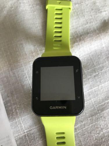 GARMIN Forerunner 35 GPS-Laufuhr Smartwatch Herzfrequenzmessung Grün-NEU