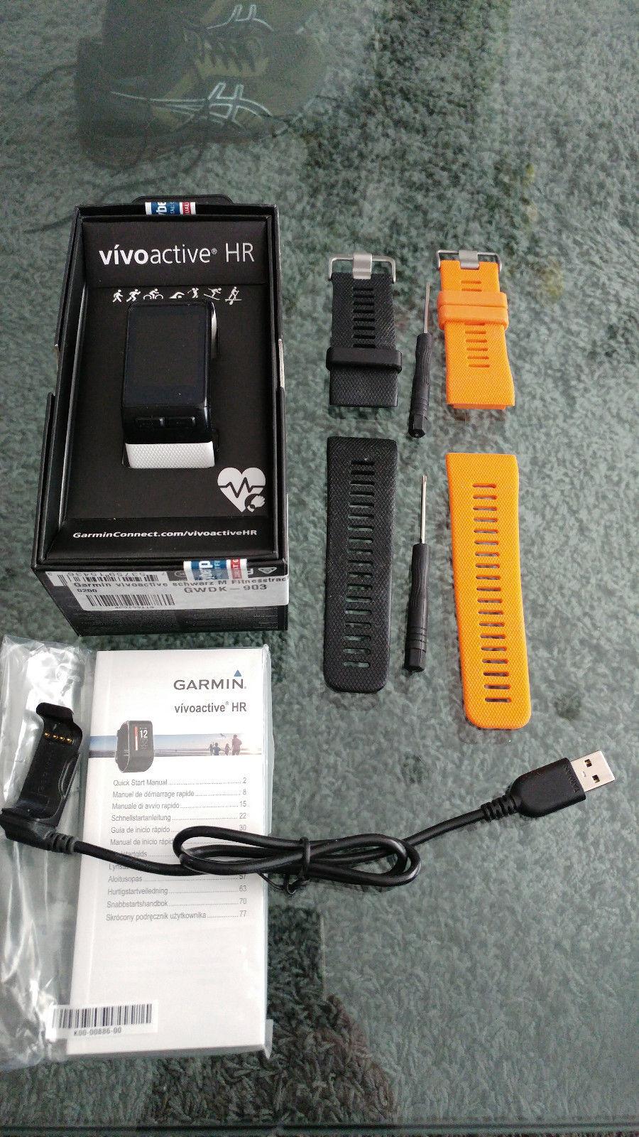 GPS Sportuhr Garmin vivoactive HR inkl. 3 Armbänder in schwarz, weiß und orange