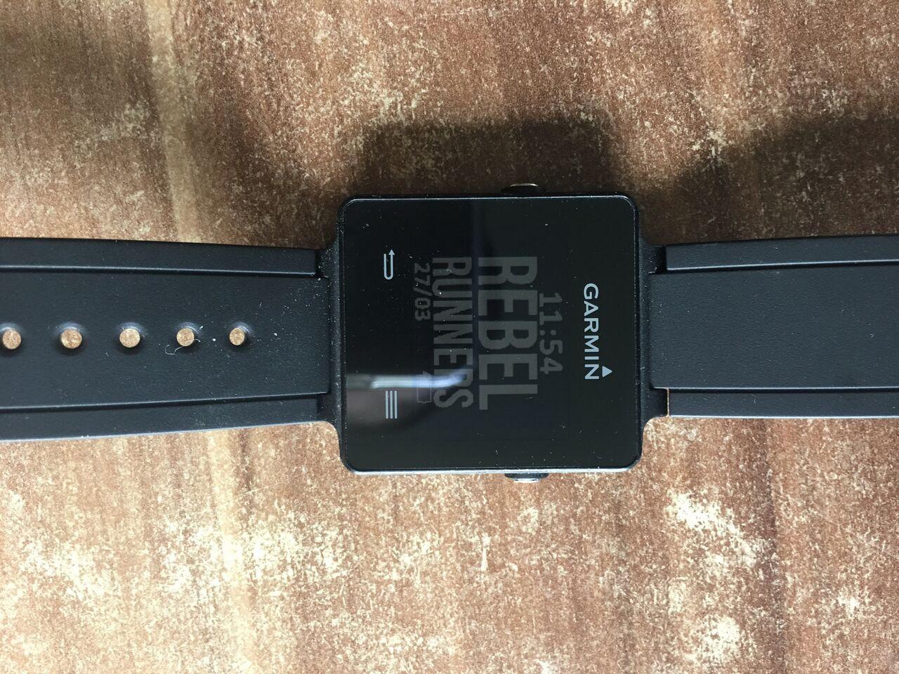 Garmin Vivoactive Smartwatch Schwarz