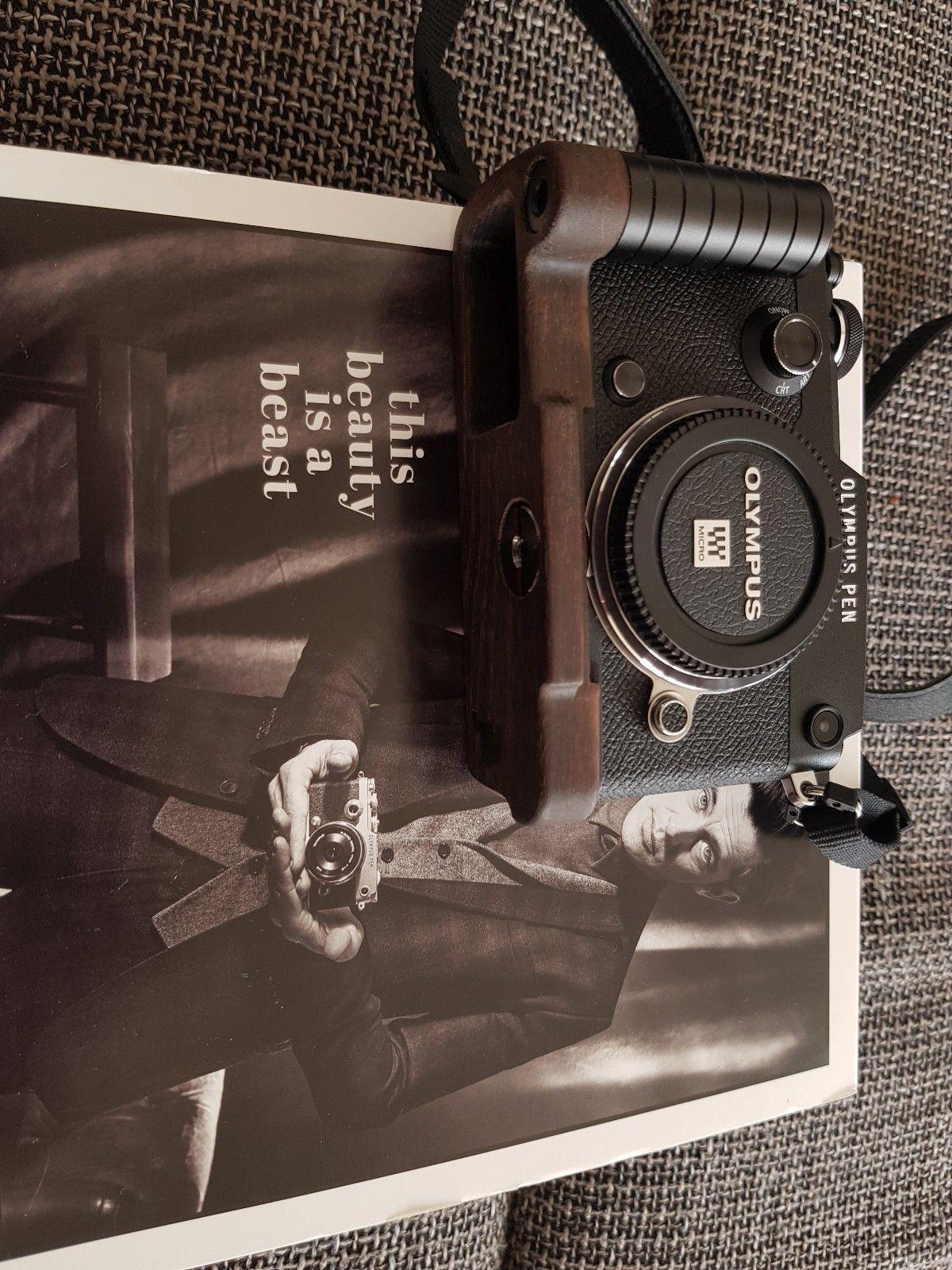 Olympus PEN-F 20.3MP Digitalkamera - Schwarz Top Zustand