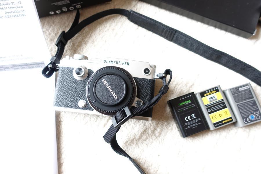 Olympus PEN-F Systemkamera 20,3MP 5-Achsen VCM Bildstabilisator OLED Full-HD