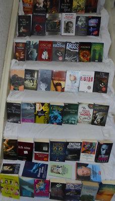gr. Bücherpaket über 50 Bücher Sammlung Romane Bestseller Thriller Krimis Frauen