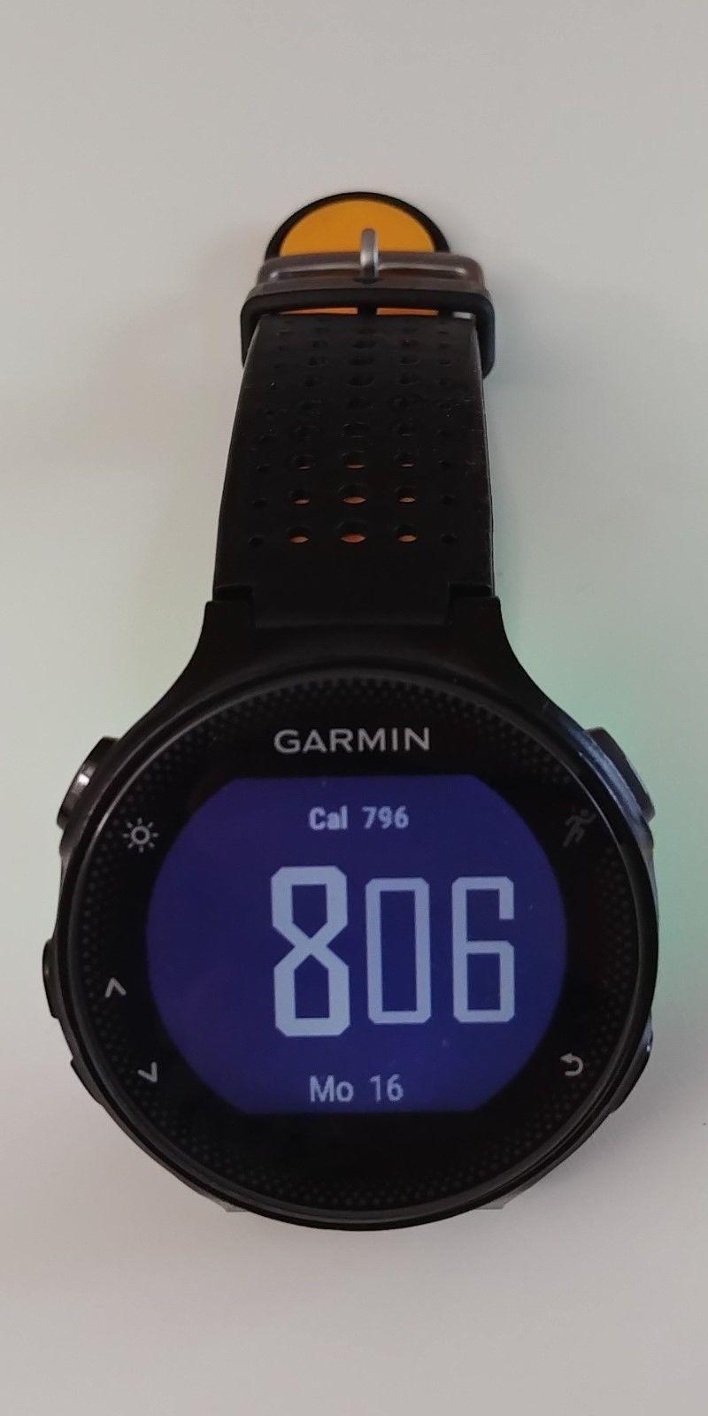 Garmin Forerunner 235 schwarz/grau mit Wechselarmband orange und Displayschutz