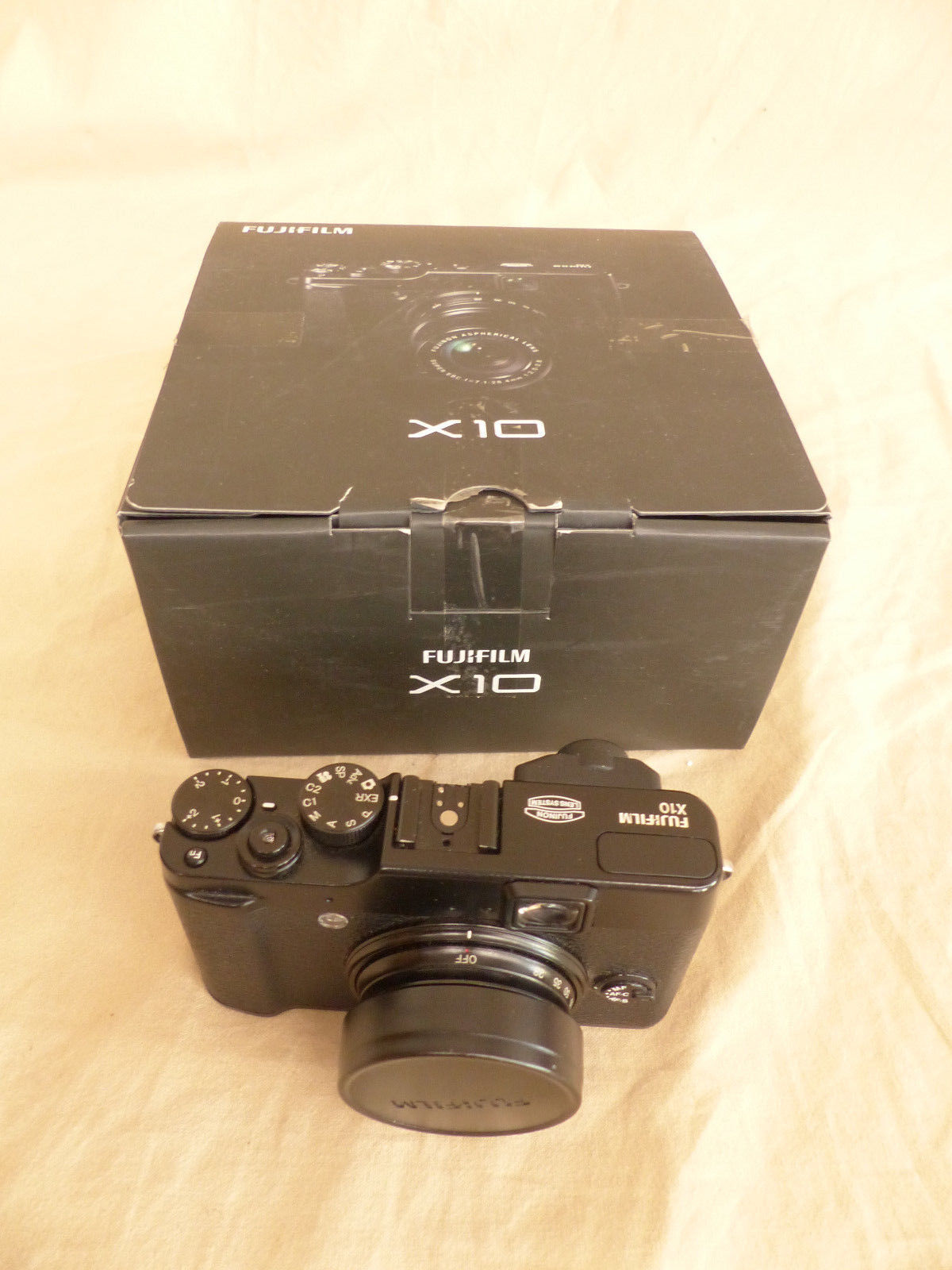 Fujifilm X10 Digital Kamera ungetestet