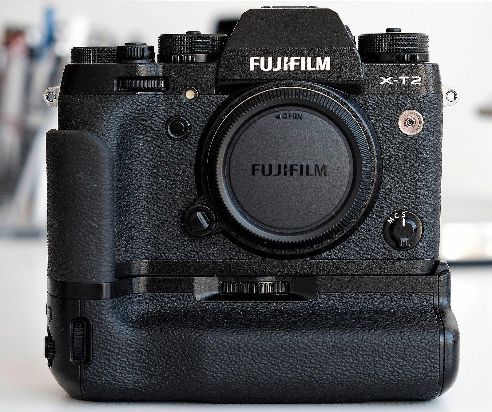 Fujifilm X-T2 inkl. Vertical Power Grip VPB-XT2