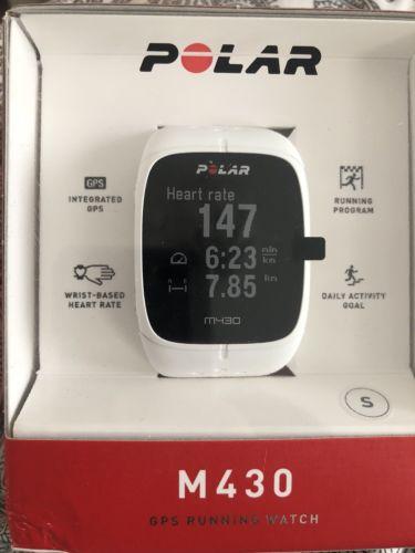 Polar M430 weiß GPS Sportuhr Fitnessuhr mit Pulsmessung am Handgelenk