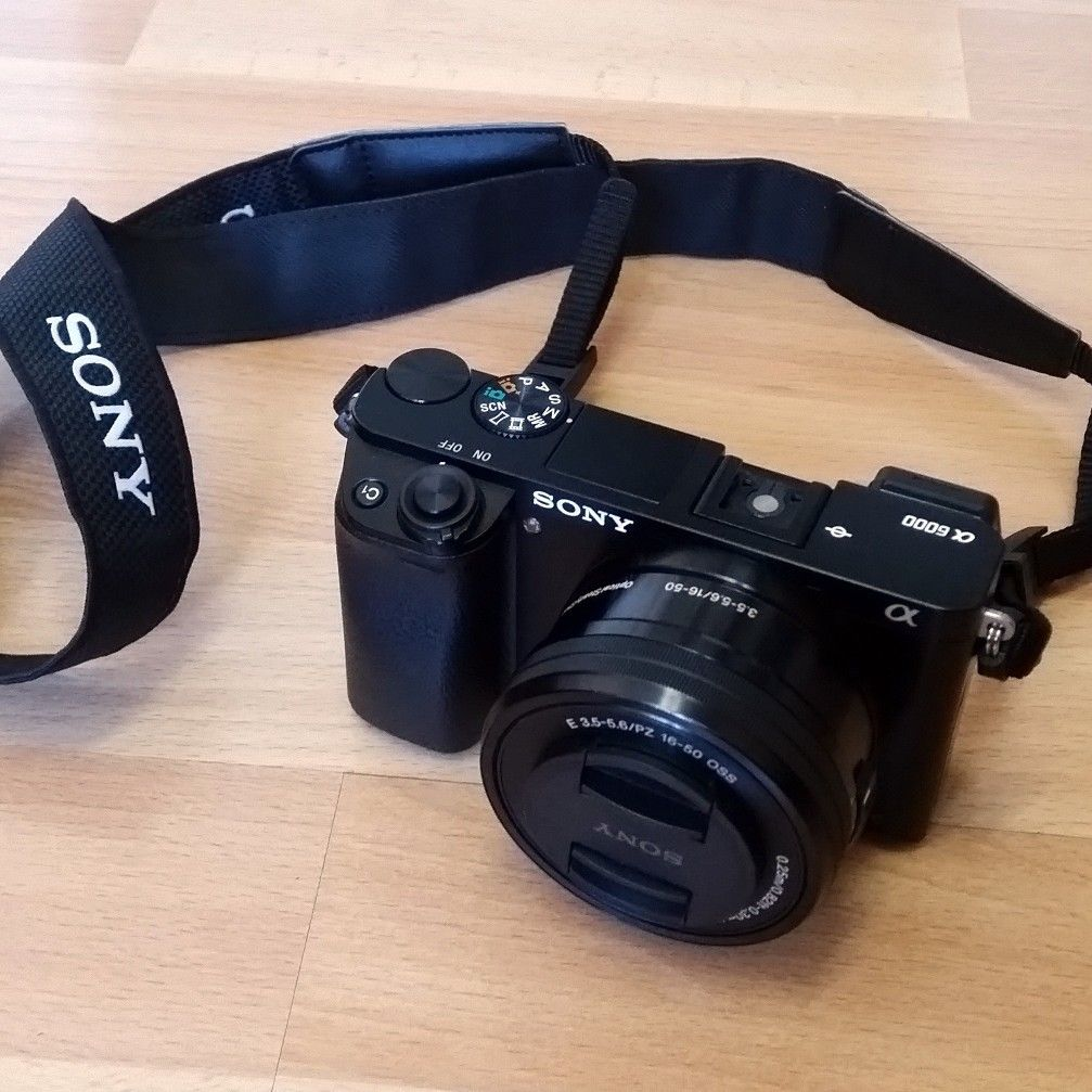 Sony Alpha ILCE-6000L 24.3 MP SLR-Digitalkamera mit Objektiv & Rechnung