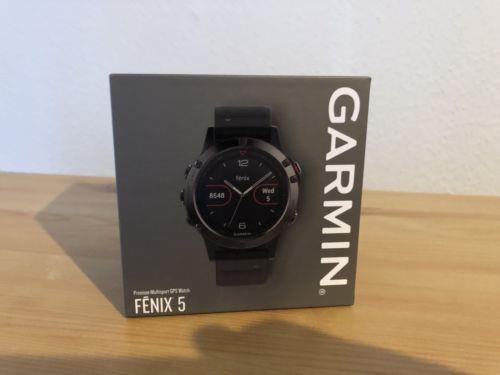 GARMIN Fenix 5 GPS Sportuhr Wandern/Fahrrad/Golf/Laufen/Schwimmen Grau-Schwarz