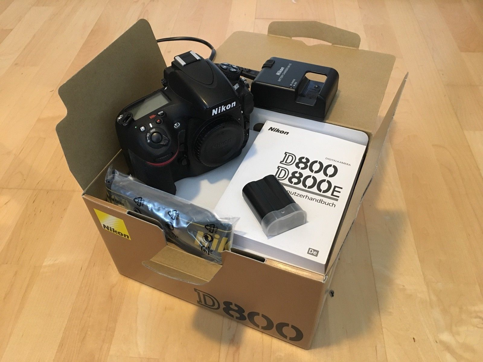 Nikon D800 36.3 MP - sehr guter Zustand - nur 11 Tsd Auslösungen