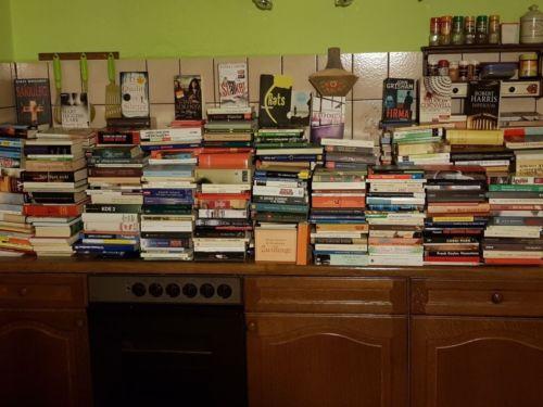 Ca. 1600 Bücher (Belletristik, Krimis, Thriller, Romane, Politik, Kinderbücher)