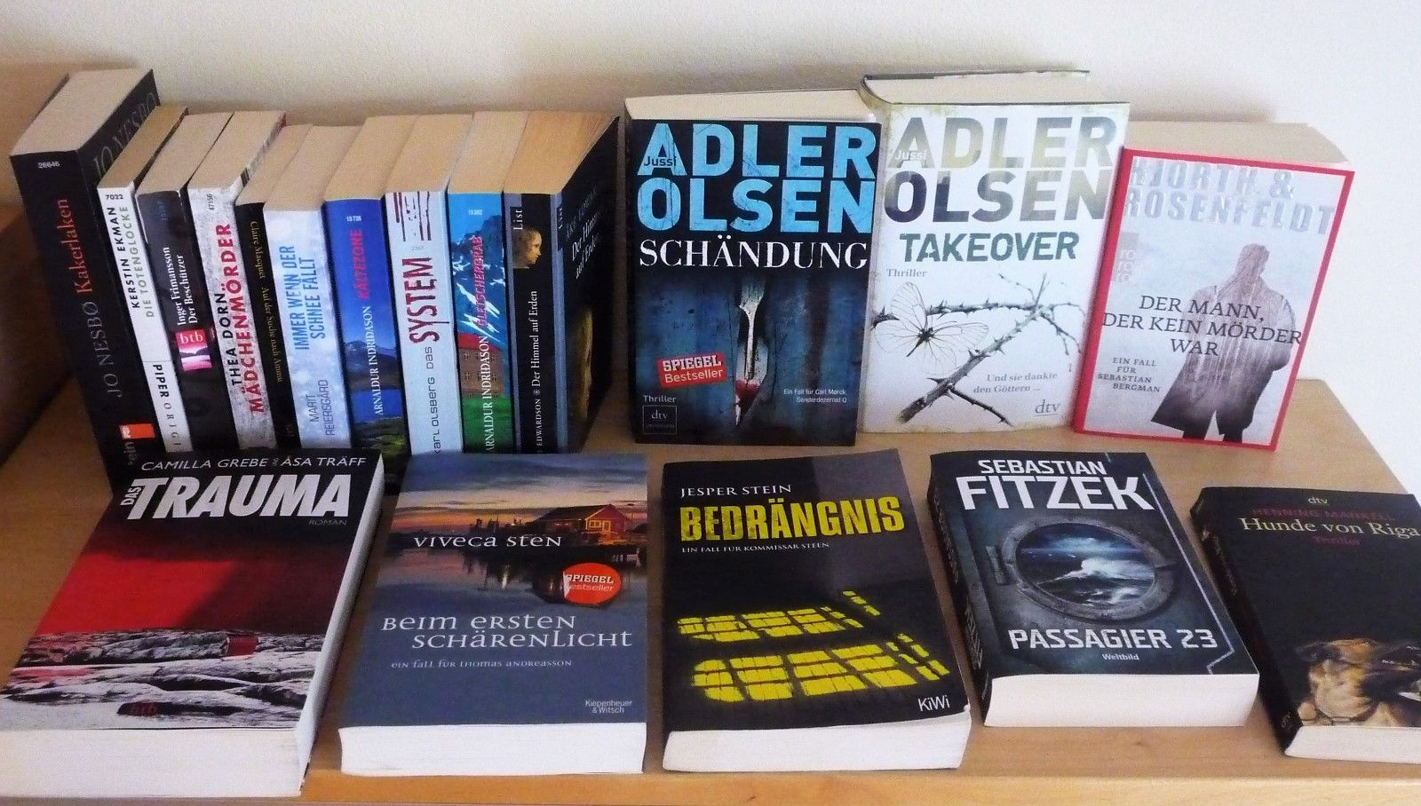 Krimipaket 18 Bücher Thriller Dänemark Schweden Norwegen Island Adler Olsen Nesb