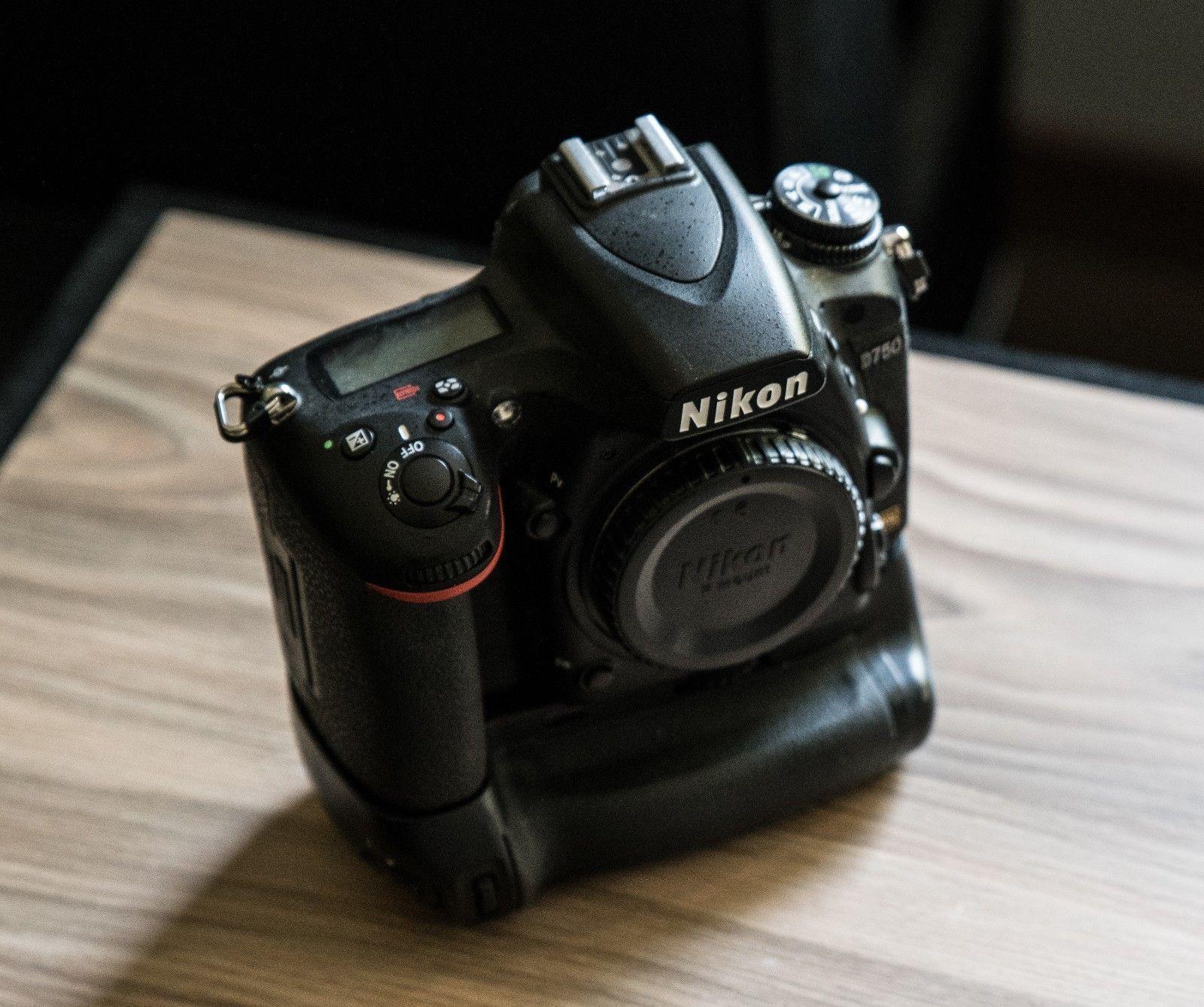 Nikon D D750 24.3 MP DSLR, plus Batteriegriff, OVP, nur 9443 Auslösungen, Top
