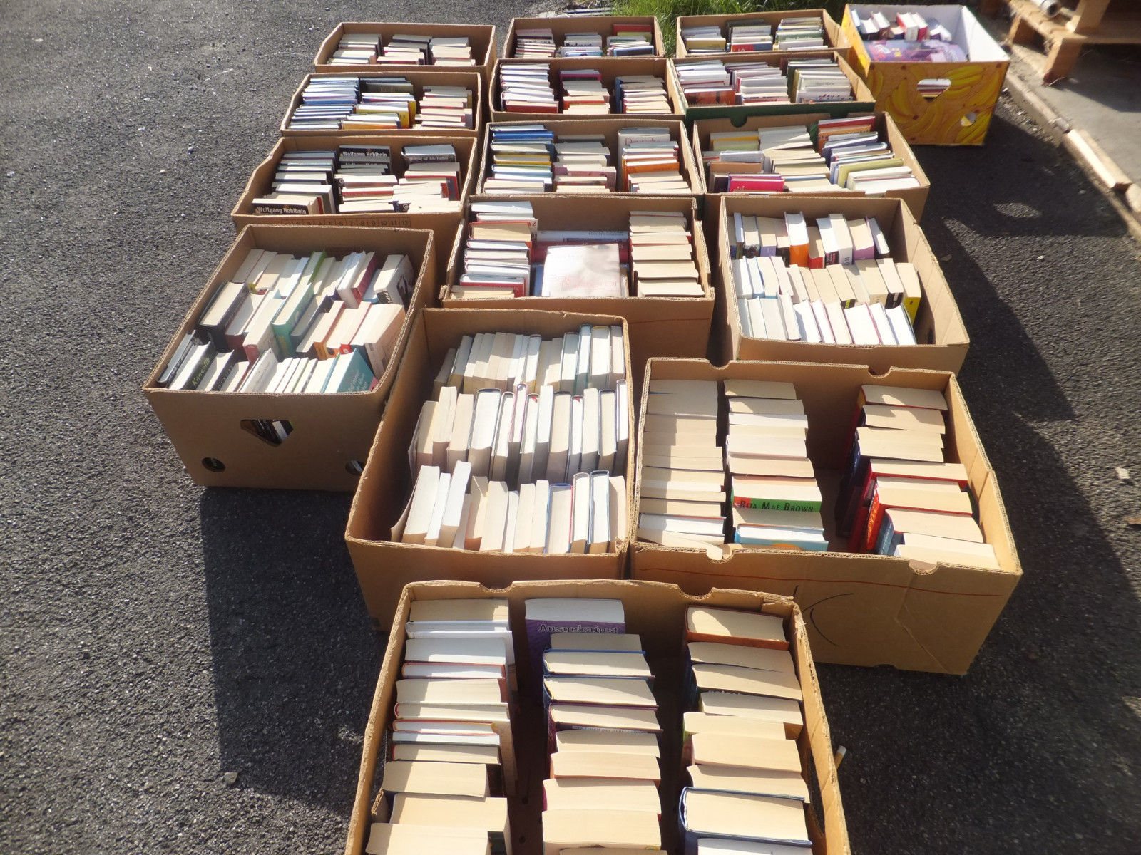 Bücher Konvolut - Sammlung 26 Kisten
