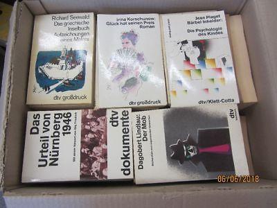 92 Bücher Taschenbücher dtv Verlag