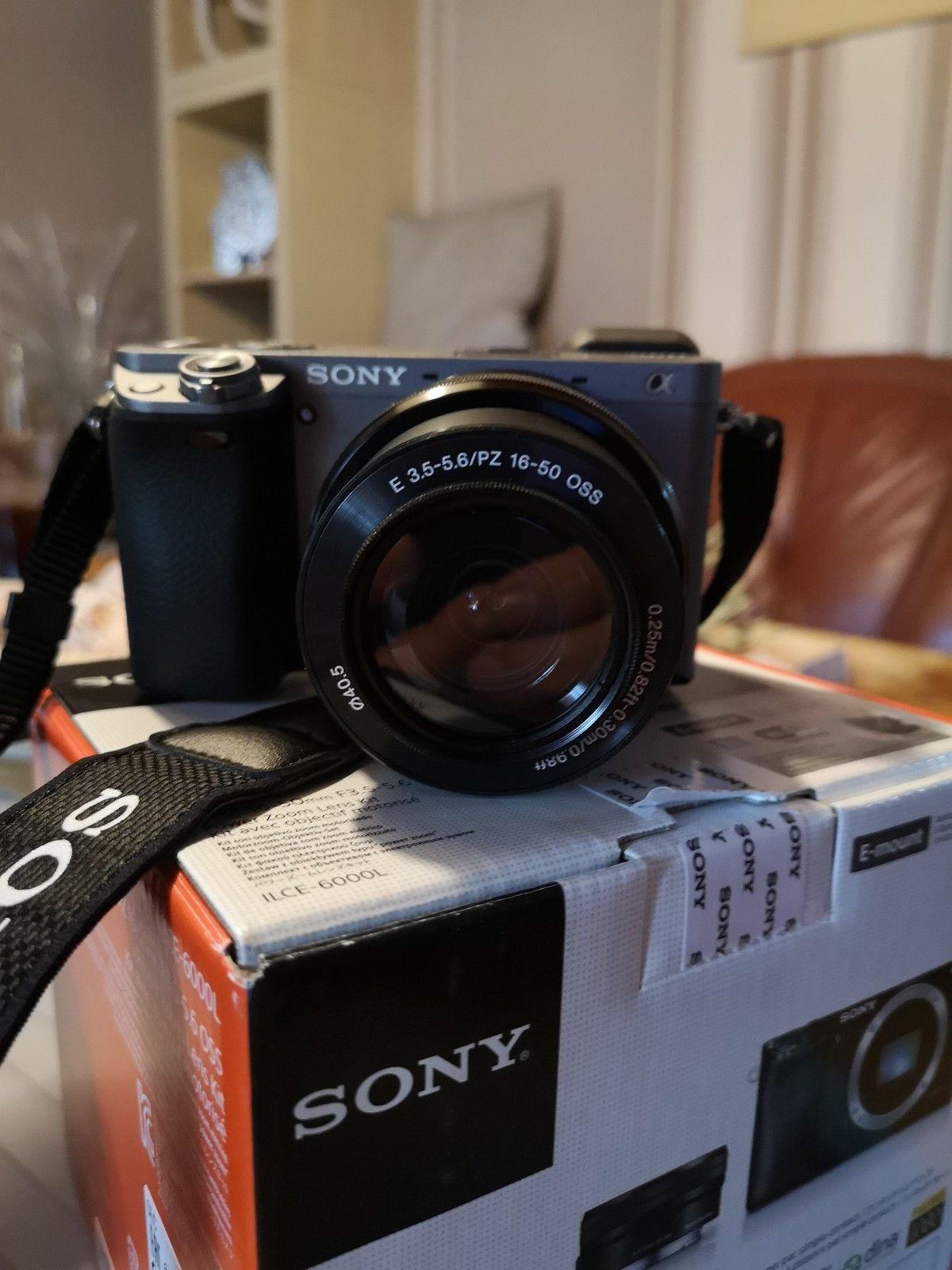 Sony Alpha 6000 24.3MP Spiegellose Systemkamera - Silber (Kit w/ 16-50mm...