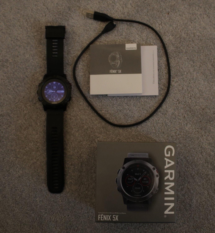 Garmin Fenix 5 Saphir 47mm GPS Smartwatch - Grau