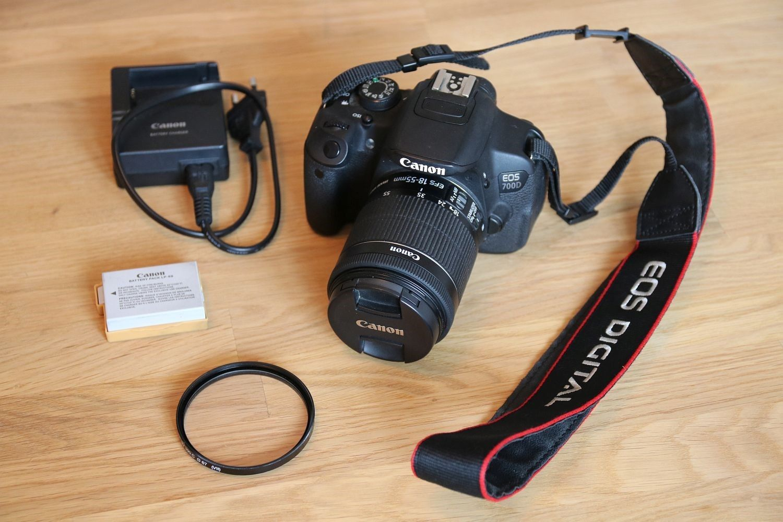 Canon EOS 700D Digitalkamera - Schwarz Kit EF-S 18-55mm - Set