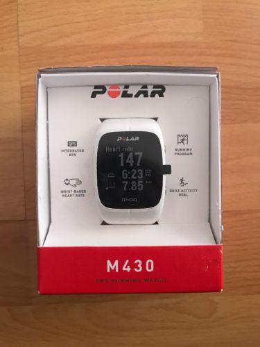 Polar M430 weiß GPS Sportuhr Fitnessuhr mit Herzfrequenzmessung am Handgelenk