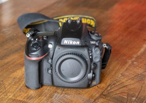 Nikon D800 Vollformat 36Mpx Kamera, neuwertiger Zustand - nur 10.413 Auslösungen