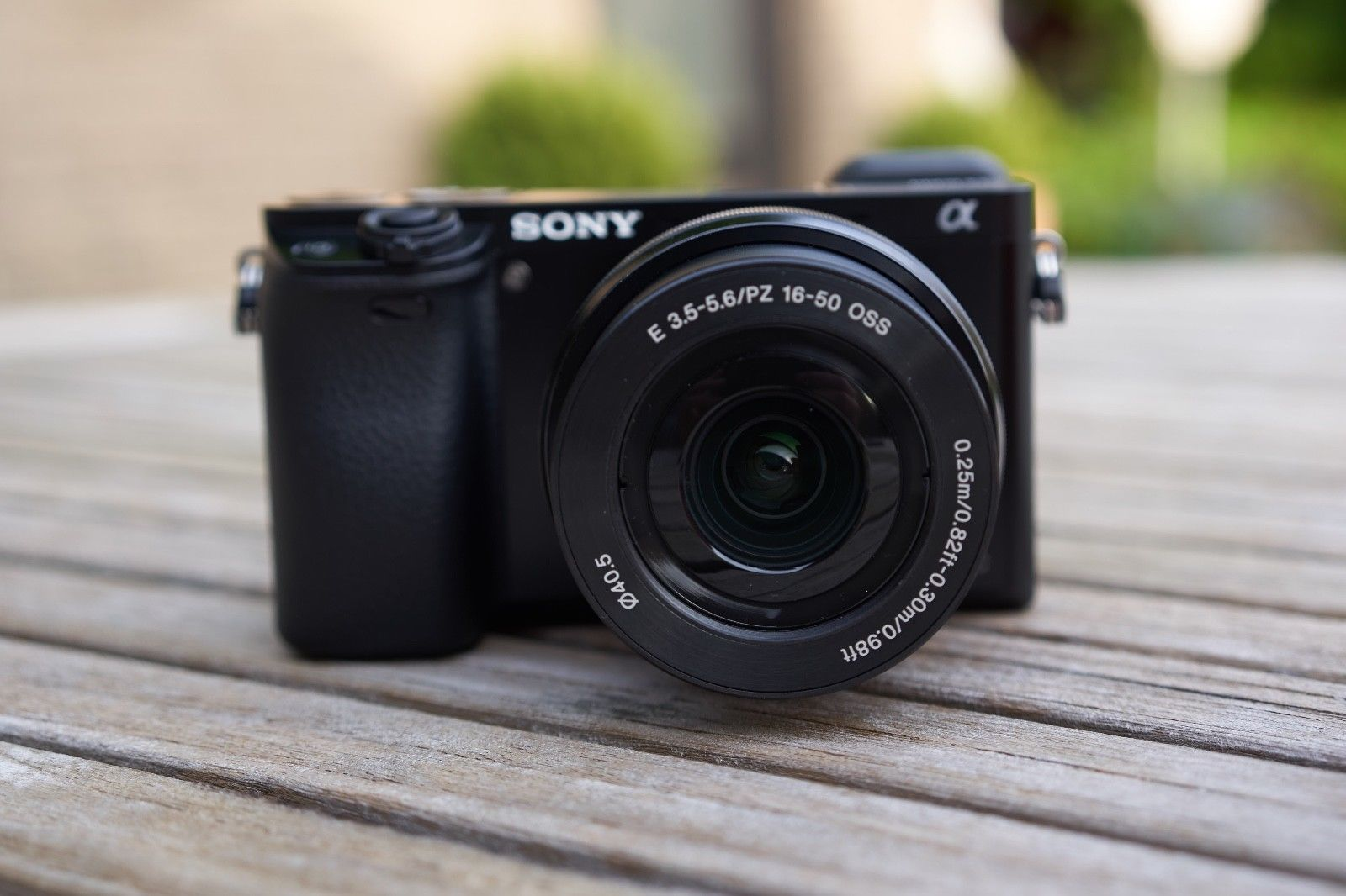 Sony Alpha 6000 ILCE-6000Linkl. SEL-P1650 OSS Objektiv + Zubehörpaket