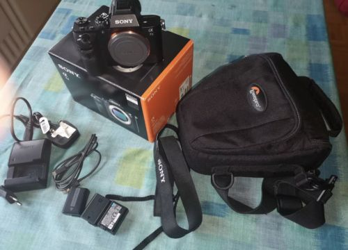 SONY Alpha 7 II (ILCE-7M2/BQ) Body Systemkamera, gebraucht