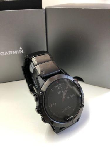 Garmin Fenix 5 Saphir inkl Metallarmband47mm GPS Smartwatch - Grau
