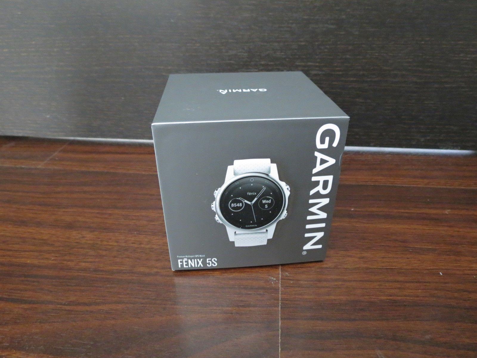 Neu Garmin Fenix 5S Weiß mit Weißem Armband Multisport Uhr - Versand 15 Euro