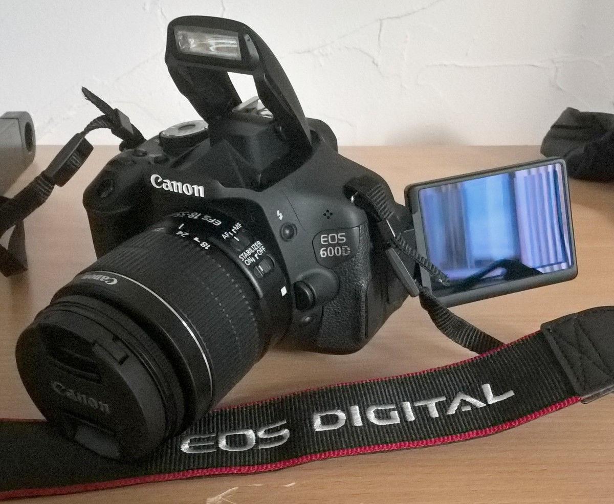 Canon EOS 600D / EOS Rebel T3i 18.0MP Digitalkamera - Nur 2196 Auslösungen
