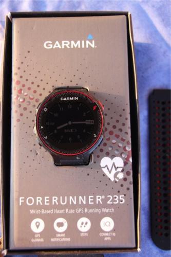 GARMIN Forerunner 235, marsala-rot