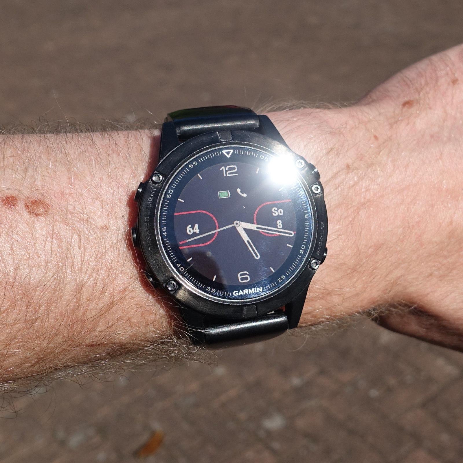 Garmin Fenix 5 Saphir GPS Multisport Smartwatch schwarz mit OVP - 010-01688-11